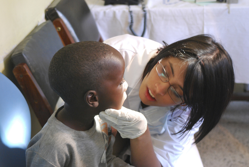 Beejal Patel with boy in Sekou-toure hospital Mwanza. 07/09